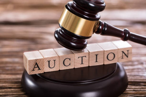 Buying and Selling at an Auction – is it just like watching Homes under the Hammer? Thumbnail